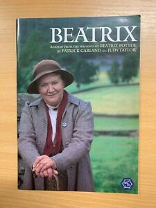 """*SIGNED BY PATRICIA ROUTLEDGE* """"BEATRIX"""" STAGE PLAY PROGRAMME BOOK (LL)"""