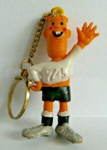 Fußball WM 1974 Maskottchen Tip & Tap Schlüsselanhänger alte Werbefigur Nr. 708