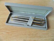 More details for vintage volvo lorries trucks 25 branded 3 pen gift set in box