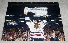 CHICAGO BLACKHAWKS JONATHAN TOEWS SIGNED 2013 STANLEY CUP 11X14 PHOTO W/COA