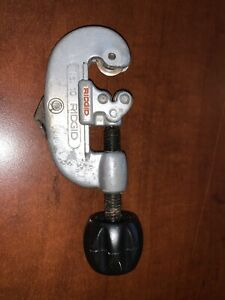"""Vintage heavy duty RIDGID NO.10 pipe tube cutter 1/8"""" to 1"""" O.D. good used"""