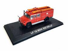 Camions miniatures rouges MAN