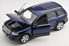 BLITZ VERSAND Volkswagen VW Touareg blaumetallic Welly Modell Auto 1:24 NEU OVP