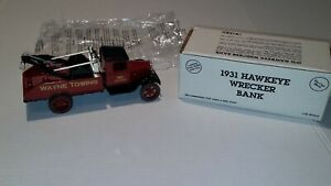"ERTL 1931 HAWKEYE WRECKER BANK ""WAYNE TOWING"" DIECAST 1/34 NEW NIB E552"