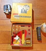 VINTAGE KODAK BROWNIE HAWKEYE FLASH OUTFIT WITH BOX & FLASH GUARD UNTESTED