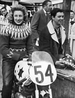 OLD LARGE PHOTO, Beryl Swain on her Itom 50cc motorcycle Isle of Man TT 1962 2