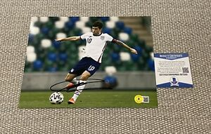 BECKETT COA CHRISTIAN PULISIC Signed Autographed 8x10 Photo USA Soccer USMNT