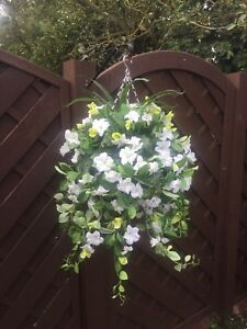 New/white Trailing Artifical Flower Hanging Basket Ready To Hang Garden
