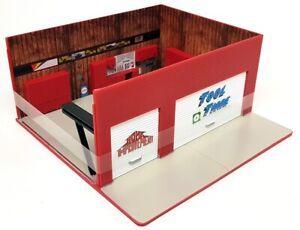 Greenlight 1/64 Scale Home Improvement Weekend Workshop Car Garage Shop Diorama