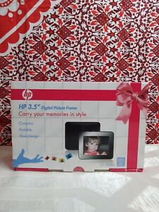 """HP 3.5"""" Digital Picture Frame"""