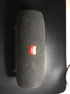 JBL Xtreme Portable Wireless Bluetooth Speaker With Charger Black. READ DESC