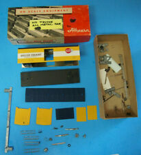 Athearn HO Scale Metal Frieght Train Car NO WHEELS ROLLER FRIEGHT YELLOW/WHITE