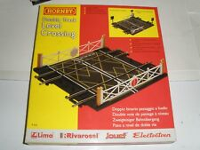 HORNBY BACHMANN TRACK R636 LEVEL CROSSING DOUBLE TRACK BARRIERS GATES COMPLETE