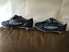Umbro Garçon Chaussures De Football Taille UK 5 ***