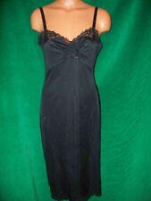 Shadowline black full slip sz 34 T (33.5 inches from underarm to bottom) Usa Euc