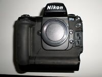 Nikon D1X 5.3MP Digital SLR Camera (Body only) No Battery or charger