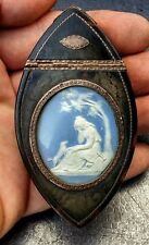 TABATIERE ECAILLE + OR MEDAILLON BISCUIT SEVRES OU WEDGWOOD EP. EMPIRE SNUFF BOX