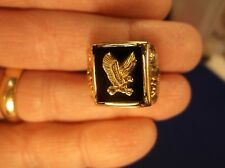 "BEAUTIFUL VTG MENS 10K YELLOW, ROSE & GREEN ""BLACK HILLS"" STYLE EAGLE ONYX RING"