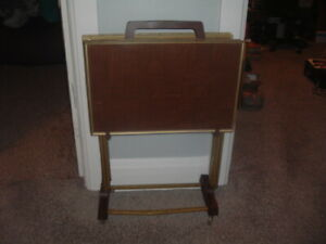 VINTAGE Mid Century Set 4 FAUX WOOD METAL TV Snack Tray Tables W/ Stand Parquet