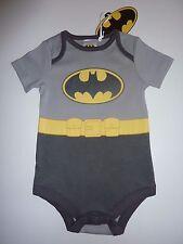 Batman combinaison taille 9-12 mois neuf avec étiquette