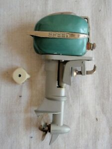 VINTAGE MINIATURE MINI TOY MODEL OUTBOARD BOAT MOTOR SPEED H 14 CM