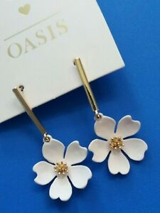 OASIS Green Cream Daisy Earrings