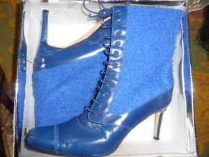 Manolo Blahnik Blue Ankle Brogue Detail toe Boots Sz 40, 6.5 - 7