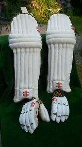 Gray Nicolls Powerbow Test Men's RH Gloves and Pads. Used. Clean Condition.
