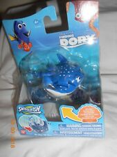 New Disney Finding Dory Swigglefish Mr. Ray M. Raie Toy Stocking Stuffer Ban Dai