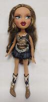 2001 BRATZ Doll Girl Figure MGA Entertainment Clothes Brown hair blue eyes Boots
