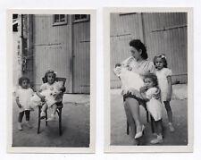 PHOTO Lot 2 photos Enfant Bébé Chaise 3 Enfants Bras Vers 1950 Portrait Mère et