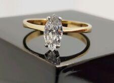 195d216626a1 9Ct Oro Amarillo Corte Marquesa Sintético Anillo de Compromiso Diamante