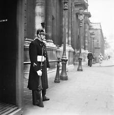 PARIS c. 1955 - Garde Républicain Palais de L'Élysée - Négatif 6 x 6 - P 195