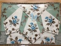 """Vintage Dunmoy Floral 1950's Tablecloth & Napkins. 50"""" x 50"""" Boxed. Rayon."""