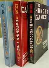 The Hunger Games & MockingJay & Catching Fire (3 books), by Suzanne Collins