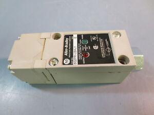 Used Allen Bradley 802PR-LBAJ1 Proximity Photoswitch Sensor Series E