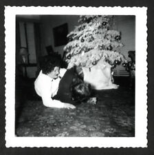 GRIMACING BUTCH BULLY WOMAN WRESTLES GIRL FRIEND on XMAS! 1949 PHOTO! lesbian