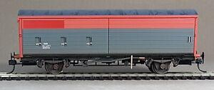Bachmann 38-120B VAA Railfreight sliding door van factory weathered KD COUPLINGS