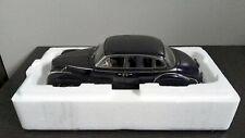 AUTOart model car 1:18 BMW 502 2.6 Luxus dark blue dealer edition