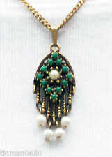 "Vintage 1968 SARAH COVENTRY ""Heirloom Treasure"" Pendant Necklace Goldtone Chain"