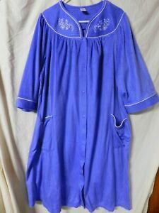 GS WOMAN'S PURPLE AND WHITE FLEECE SNAP UP ROBE/SIZE 2X/PRE-OWNED