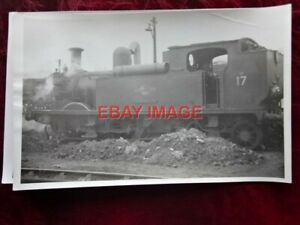 PHOTO  ISLE OF WIGHT  RAILWAY - CLASS O2 LOCO NO 17 SEAVIEW
