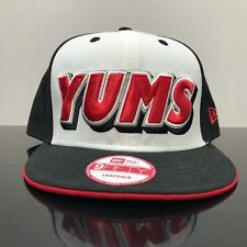 YUMS NEW ERA 2 TONE  SNAPBACK CAP  BLACK WHITE