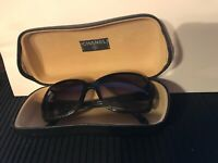 Chanel 5177 Black Sunglass with hard case ,made in italy