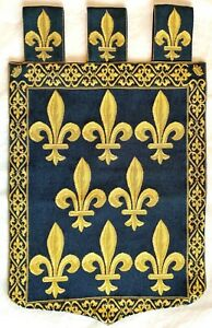 SWORD & CROWN WITH FLEUR DE LYS, LINED BELGIAN TAPESTRY WITH ROD LOOPS, 1066 LB7