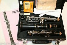 Barcelona Clarinet with Case and Handling Gloves - Black