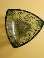VINTAGE HAZEL ATLAS -TRIANGLE SHAPED GREEN GLASS CANDY DISH/ASHTRAY
