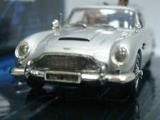 WOW EXTREMELY RARE Aston Martin DB5 J.Bond Goldfinger + Figures 1:43 Minichamps