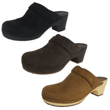 Crocs Womens Sarah Synthetic Suede Clog Shoes