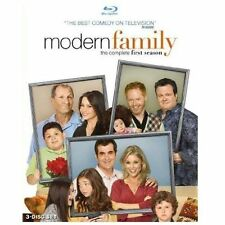 MODERN FAMILY - Season 1 - Blu Ray - FACTORY SEALED NEW 3-disc Set